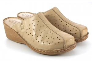 Women's Slippers on wedge heel, perforated, smooth leather tile - beige - Escott