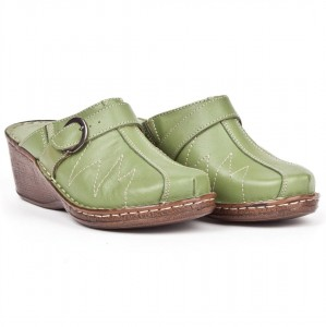 Women's Slippers on wedge heel, smooth leather tile - green - Escott